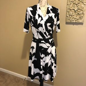 NY & CO. Black & White Print Dress Size Medium